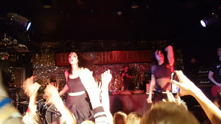 Jasmine and Jahan Yousaf of Krewella dancing their hearts out at the Horseshoe Tavern on Sept. 30, 2016 (photo by Danceclubgirl)
